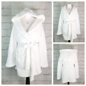 White L Thick & Soft Chenille Short Hooded Robe